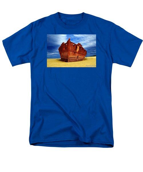 Maheno Shipwreck Fraser Island Queensland Australia Men's T-Shirt  (Regular Fit)