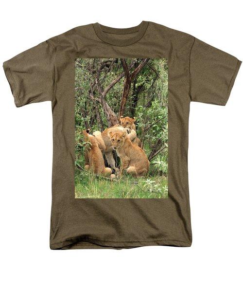 Masai Mara Lion Cubs Men's T-Shirt  (Regular Fit)