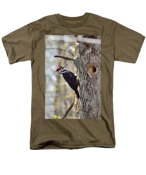 Male Pileated Woodpecker Men's T-Shirt  (Regular Fit) by David Porteus