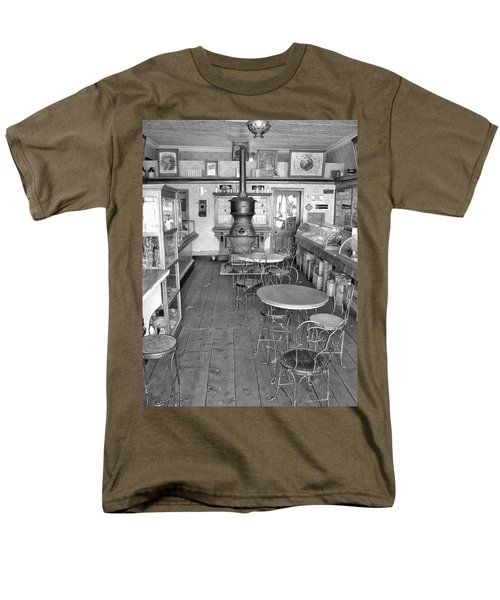 1880 Drug Store Black And White Men's T-Shirt  (Regular Fit) by Ken Smith