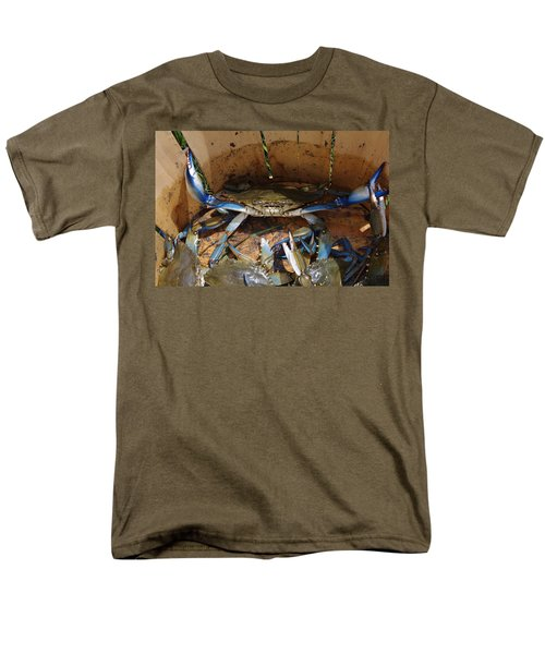 Men's T-Shirt  (Regular Fit) featuring the photograph 24 Crab Challenge by Greg Graham