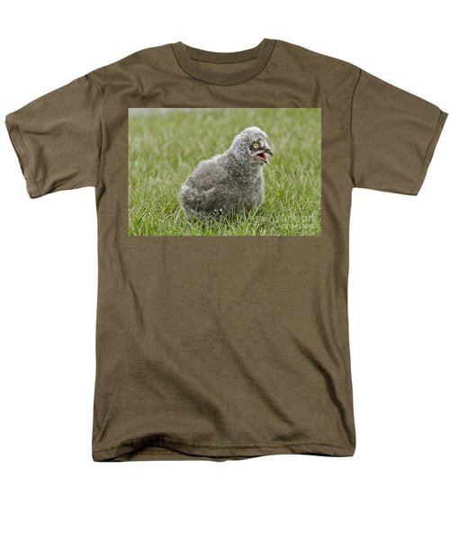 Baby Snowy Owl Men's T-Shirt  (Regular Fit) by JT Lewis