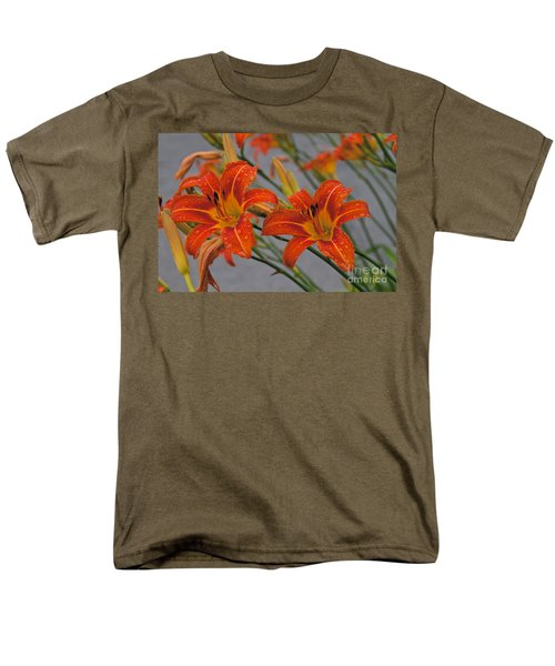 Day Lilly Men's T-Shirt  (Regular Fit)
