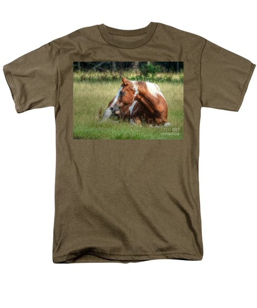 Men's T-Shirt  (Regular Fit) featuring the photograph A Comfy Resting Place by Kathy Baccari
