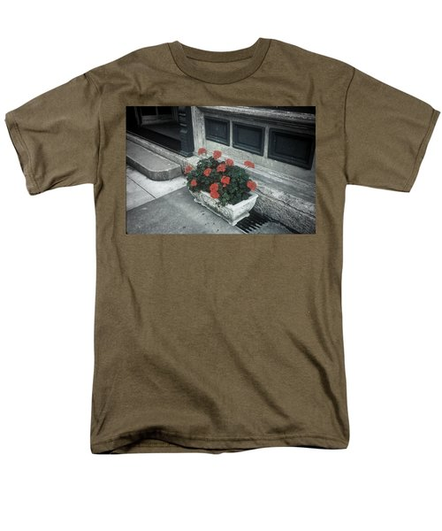 Men's T-Shirt  (Regular Fit) featuring the photograph A Little Color In A Drab World by Rodney Lee Williams