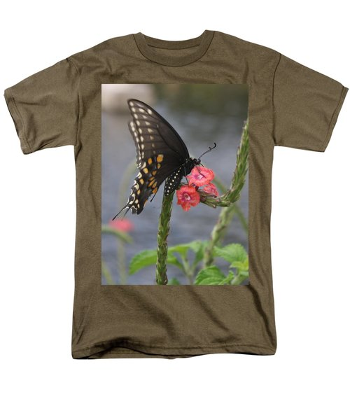 A Pause In Flight Men's T-Shirt  (Regular Fit) by Judith Morris