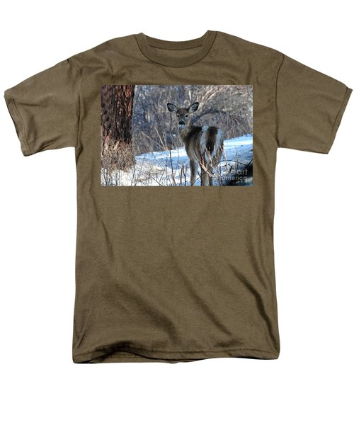 Men's T-Shirt  (Regular Fit) featuring the photograph Are You Looking At Me by Sam Rosen