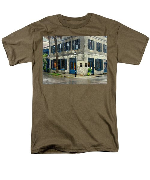 Men's T-Shirt  (Regular Fit) featuring the photograph Art Gallery In The Rain by Rodney Lee Williams