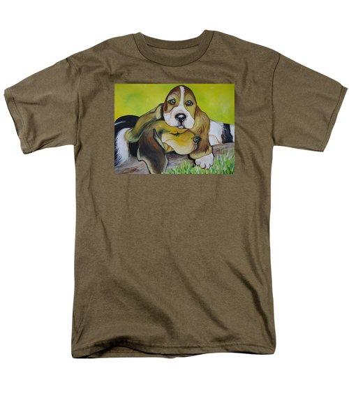 Bassett Hound Pups Men's T-Shirt  (Regular Fit)