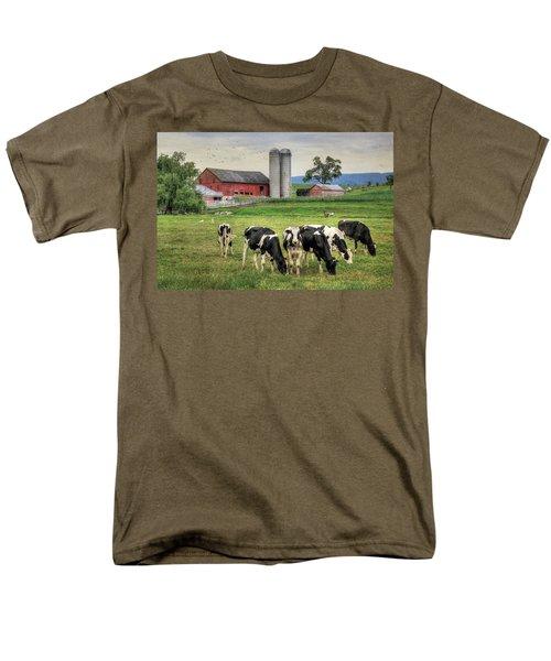 Belleville Cows Men's T-Shirt  (Regular Fit) by Lori Deiter