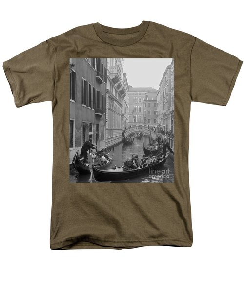 Busy Day In Venice Men's T-Shirt  (Regular Fit) by Suzanne Oesterling