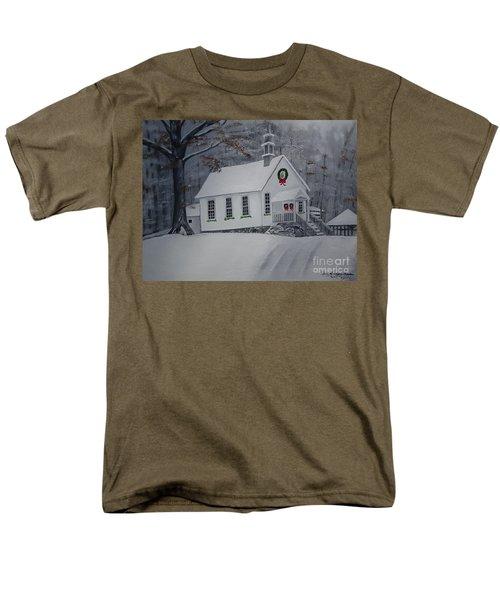Christmas Card - Snow - Gates Chapel Men's T-Shirt  (Regular Fit) by Jan Dappen