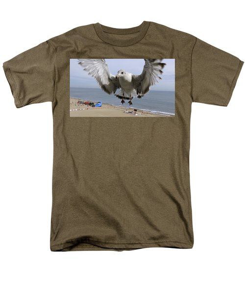 Closeup Of Hovering Seagull Men's T-Shirt  (Regular Fit) by Richard Rosenshein