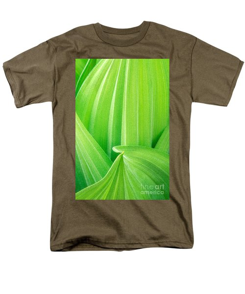 Men's T-Shirt  (Regular Fit) featuring the photograph Corn Lily Leaf Detail Yosemite Np California by Dave Welling