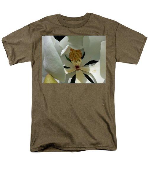 Coy Magnolia Men's T-Shirt  (Regular Fit)