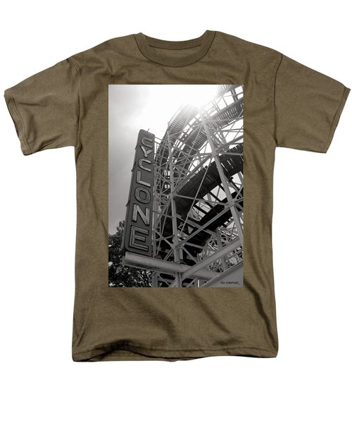 Cyclone Rollercoaster - Coney Island Men's T-Shirt  (Regular Fit) by Jim Zahniser