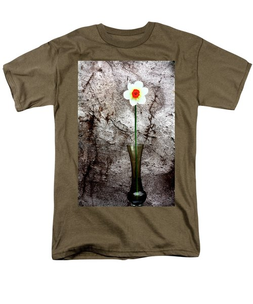 Men's T-Shirt  (Regular Fit) featuring the photograph Daffodil by Gray  Artus