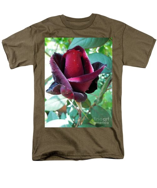 Men's T-Shirt  (Regular Fit) featuring the photograph Droplets On The Petals by Vesna Martinjak