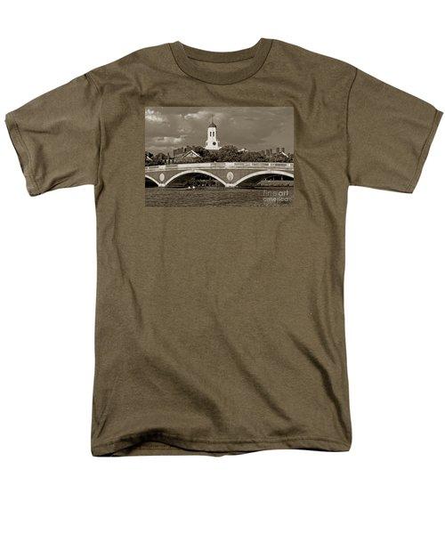 Weeks Bridge Charles River Bw Men's T-Shirt  (Regular Fit) by Tom Wurl