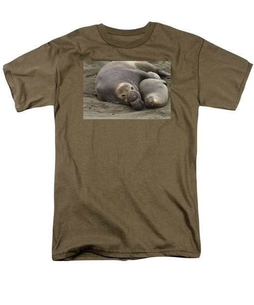 Elephant Seal Couple Men's T-Shirt  (Regular Fit) by Duncan Selby