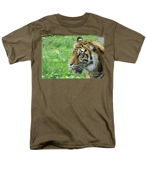Men's T-Shirt  (Regular Fit) featuring the photograph Eye Of The Tiger by Lingfai Leung