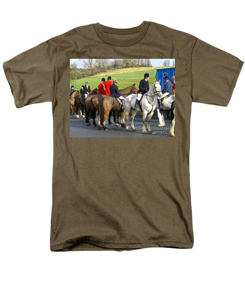 Men's T-Shirt  (Regular Fit) featuring the photograph Gathering For The Hunt by Suzanne Oesterling