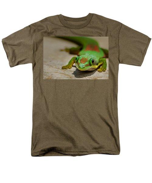 Gecko Portrait Men's T-Shirt  (Regular Fit) by Linda Villers