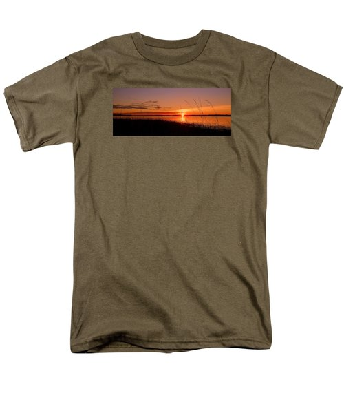 Men's T-Shirt  (Regular Fit) featuring the photograph Good Morning ... by Juergen Weiss