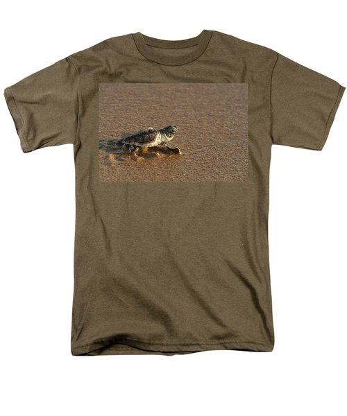 Heading Out To Sea Men's T-Shirt  (Regular Fit)