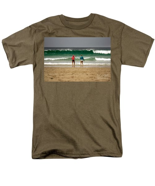 Men's T-Shirt  (Regular Fit) featuring the photograph Here Comes The Big One by Terri Waters