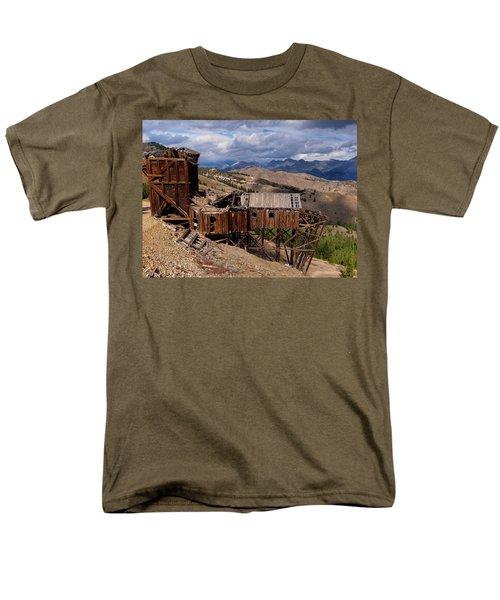 Holding On Men's T-Shirt  (Regular Fit) by Leland D Howard