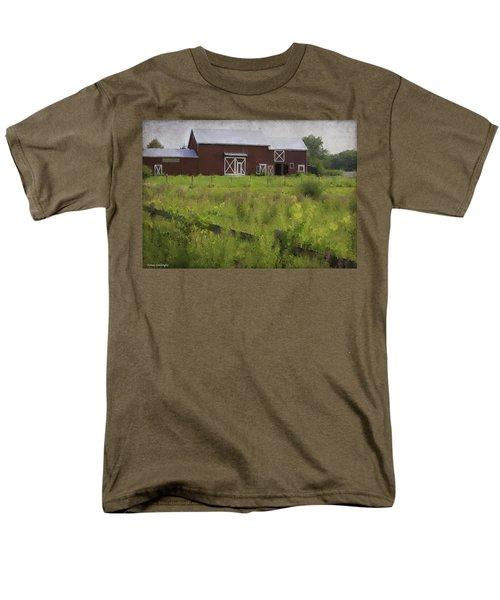 Hudson Valley Barn Men's T-Shirt  (Regular Fit) by Fran Gallogly