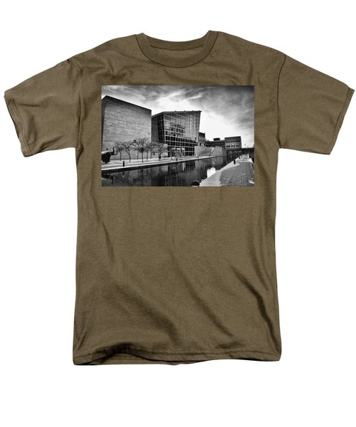 Indiana State Museum Men's T-Shirt  (Regular Fit) by David Haskett