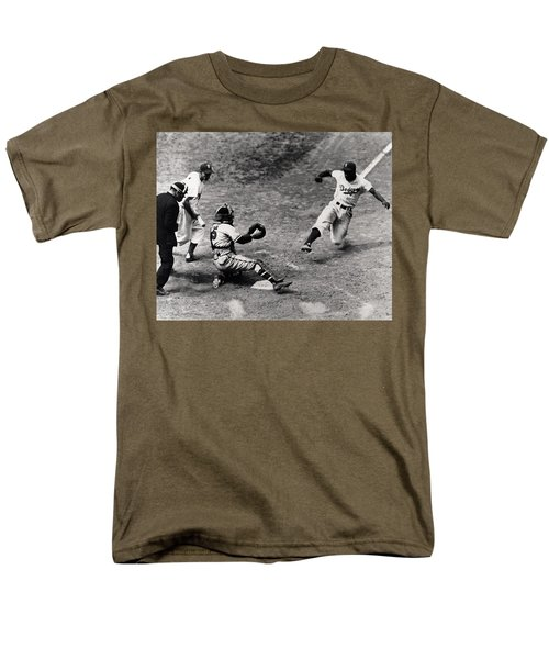 Jackie Robinson In Action Men's T-Shirt  (Regular Fit) by Gianfranco Weiss