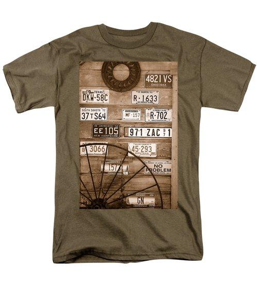 Liscensed Shed Wall Men's T-Shirt  (Regular Fit)