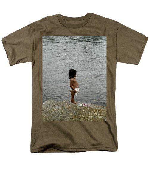 Little Laundress Men's T-Shirt  (Regular Fit) by Kathy McClure