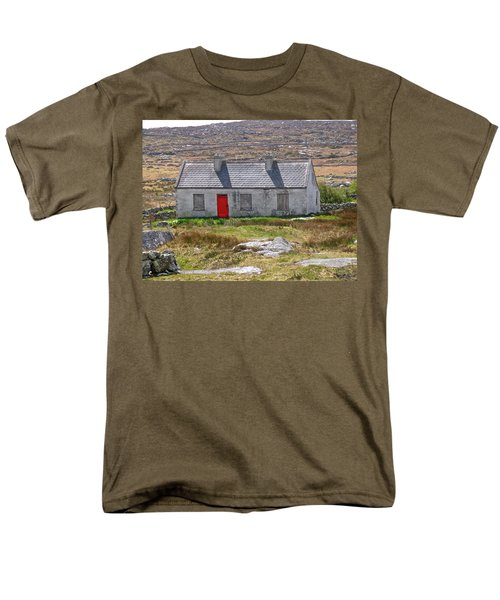 Men's T-Shirt  (Regular Fit) featuring the photograph Little Red Door by Suzanne Oesterling