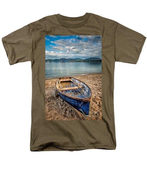 Morfa Nefyn Boat Men's T-Shirt  (Regular Fit) by Adrian Evans