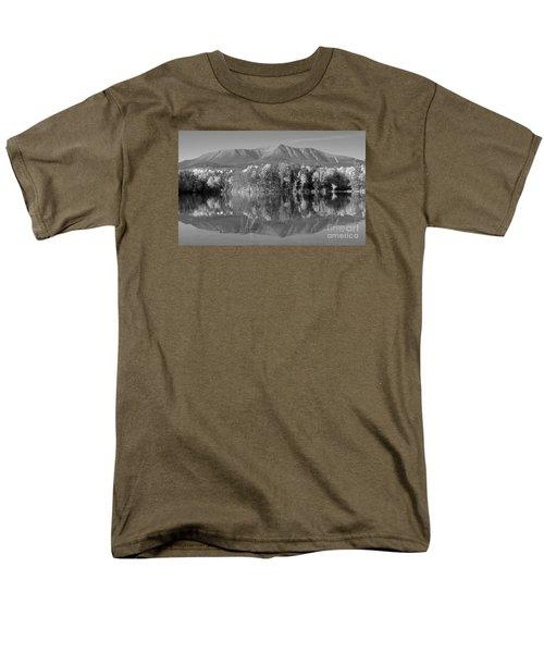 Mt Katahdin Baxter State Park Fall Men's T-Shirt  (Regular Fit) by Glenn Gordon