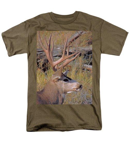 Mule Deer Men's T-Shirt  (Regular Fit) by Lynn Sprowl