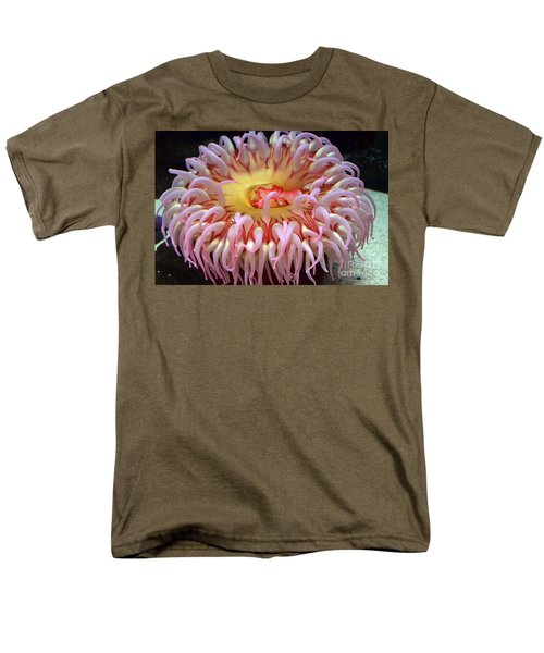 Men's T-Shirt  (Regular Fit) featuring the photograph Northern Red Anemone by Robert Meanor