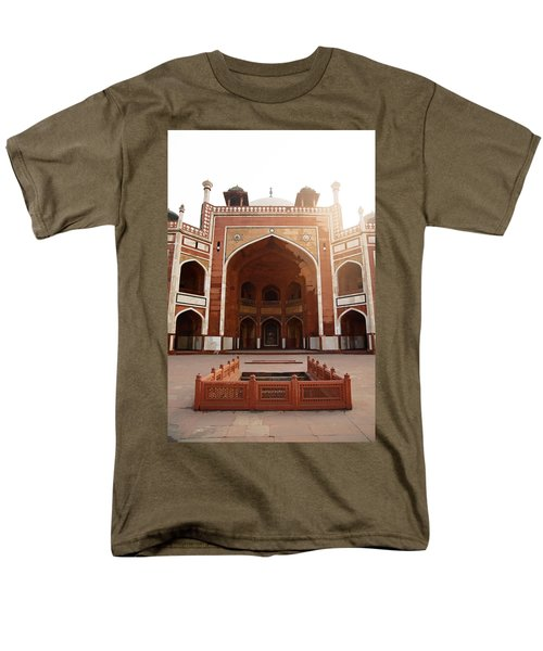 Oil Painting - Cross Section Of Humayun Tomb Men's T-Shirt  (Regular Fit) by Ashish Agarwal