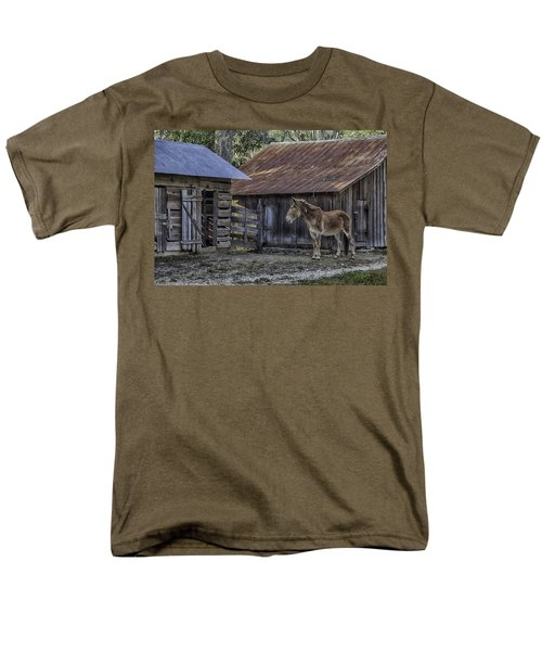 Old Red Mule Men's T-Shirt  (Regular Fit) by Lynn Palmer