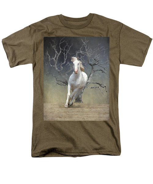 On The Run Men's T-Shirt  (Regular Fit) by Davandra Cribbie