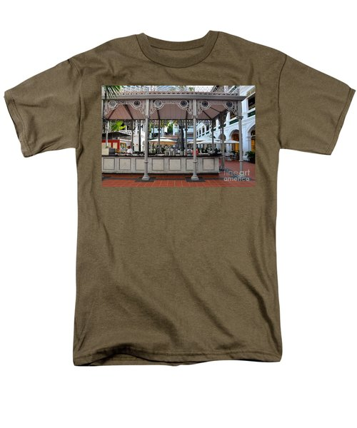 Raffles Hotel Courtyard Bar And Restaurant Singapore Men's T-Shirt  (Regular Fit) by Imran Ahmed