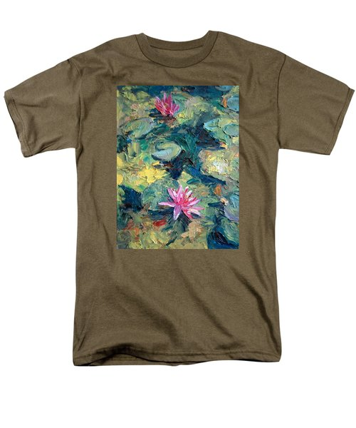 Red Waterlily  Men's T-Shirt  (Regular Fit)