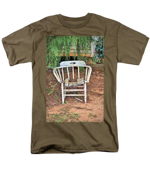 Men's T-Shirt  (Regular Fit) featuring the photograph Retired by Gordon Elwell