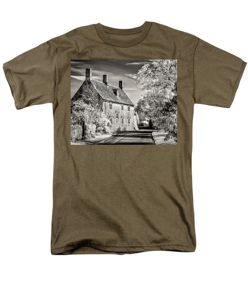 Road House Men's T-Shirt  (Regular Fit) by William Beuther