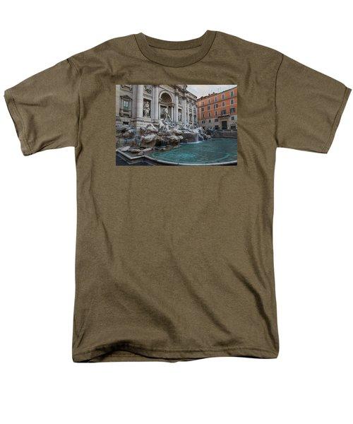 Rome's Fabulous Fountains - Trevi Fountain - No Tourists Men's T-Shirt  (Regular Fit)