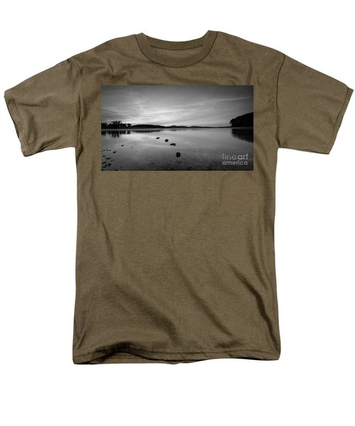 Round Valley At Dawn Bw Men's T-Shirt  (Regular Fit)